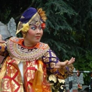 Balinese Dancer performing in Oakland, CA