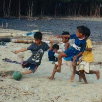 World cup soccer - Riung Style