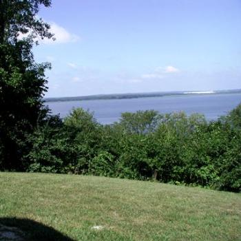 This is the Mississippi River from the Illinois side looking across to Iowa; rather wide, isn't it?