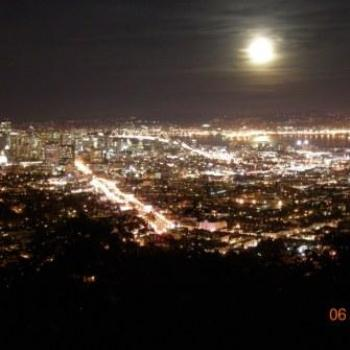 San Francisco November Moon - Keyan Bowes