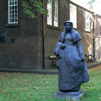 Statue of a Dutch Nun, Amsterdam (Ian/Sydney)
