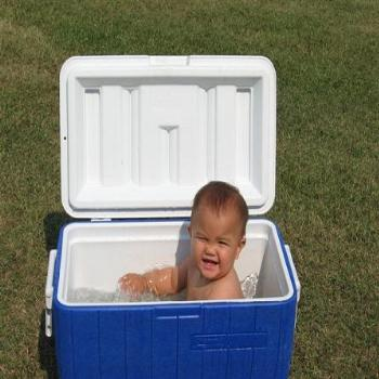 Anna Maria in the Cooler