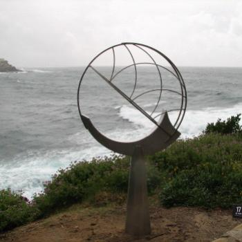 9825 No 17 sky catcher II Sculpture by the Sea Oct'08 Kate/Sydney