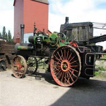 Farm machinery, Heritage Park, Calgary - Wendy/Perth