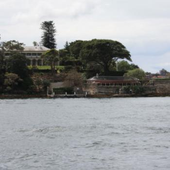 2384 Admiralty House from ferry, Island Hopping,11th Oct09, Kate/Sydney