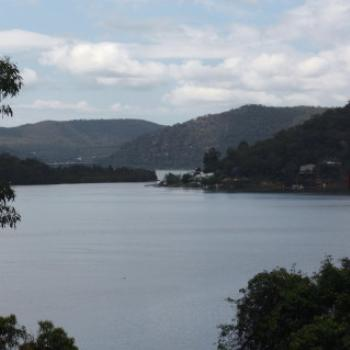 3132 view to Milson Passage & the Freeway, Hawkesbury R, 18th Nov'10, Kate/Sydney