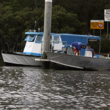 1903 our builder is renovating a boat in his spare time, Hawkesbury River Oct'10, Kate/Sydney