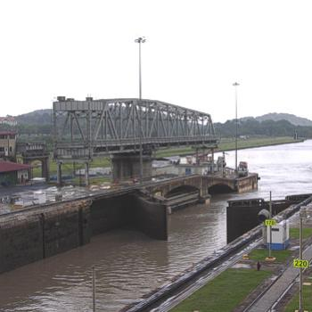 Leaving the Miraflores locks - Pacific end of the Panama Canal - Jan 2011 - Bev, AB