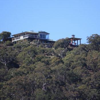 8512 cliff top house, Hawkesbury River, 16th Aug'09, Kate/Sydney